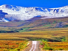 Dempster Highway (c) NWT Tourism