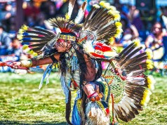 Powwow Tänzer (c) Wyoming Office of Tourism