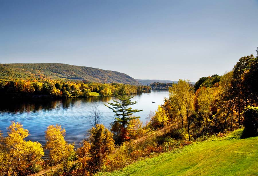 Connecticut River bei Bellows Falls (c) Stephen Goodhue, Vermont Office of Tourism and Marketing