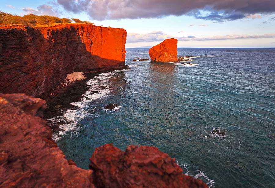 Sweethart Rock (c) Hawai'i Tourism Authority