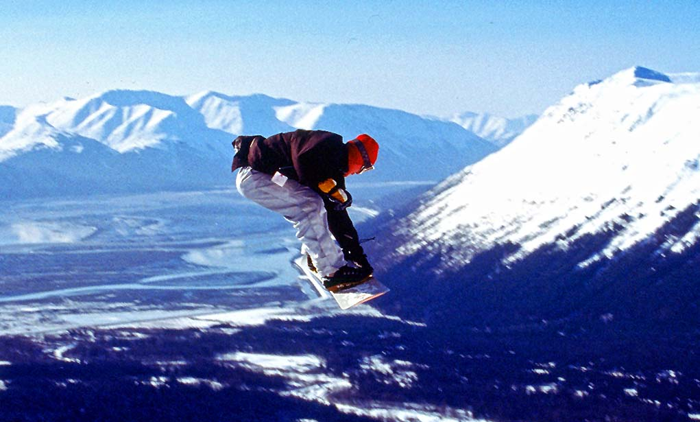 Snowboarding (c) Paxson Woelber / Anchorage Convention & Visitors Bureau