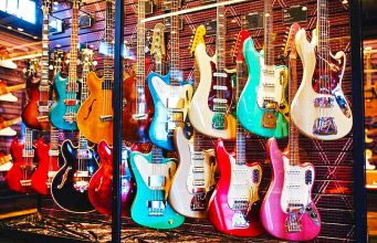 Songbirds Guitar Museum in Chattanooga (c) Tennessee Tourism